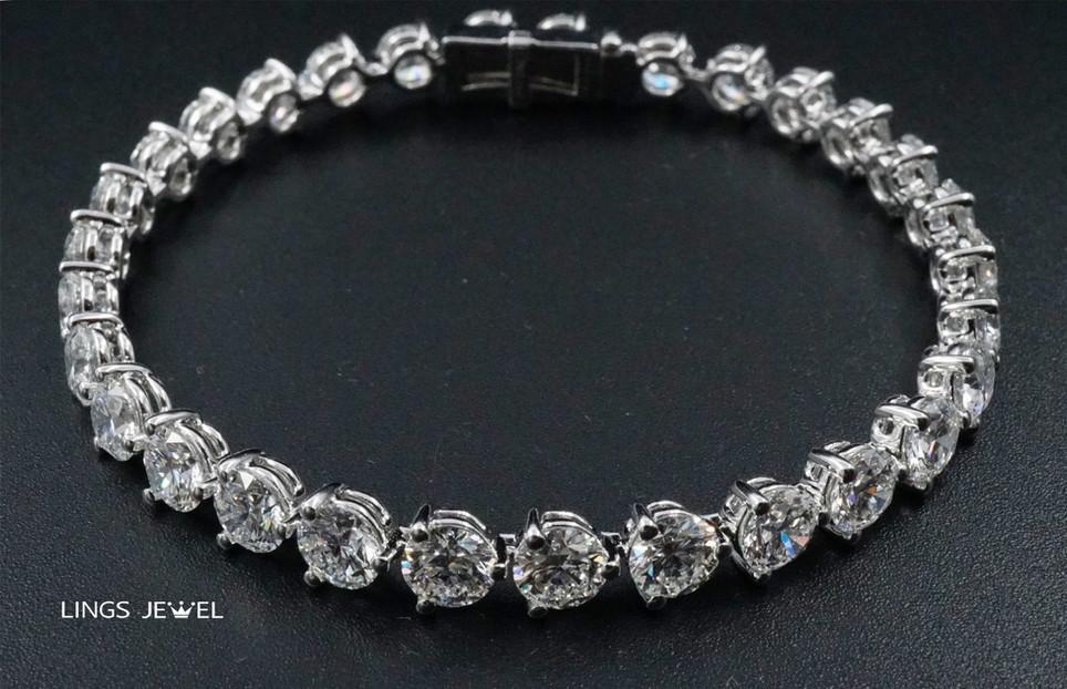 12 carat d color bracelet.jpg