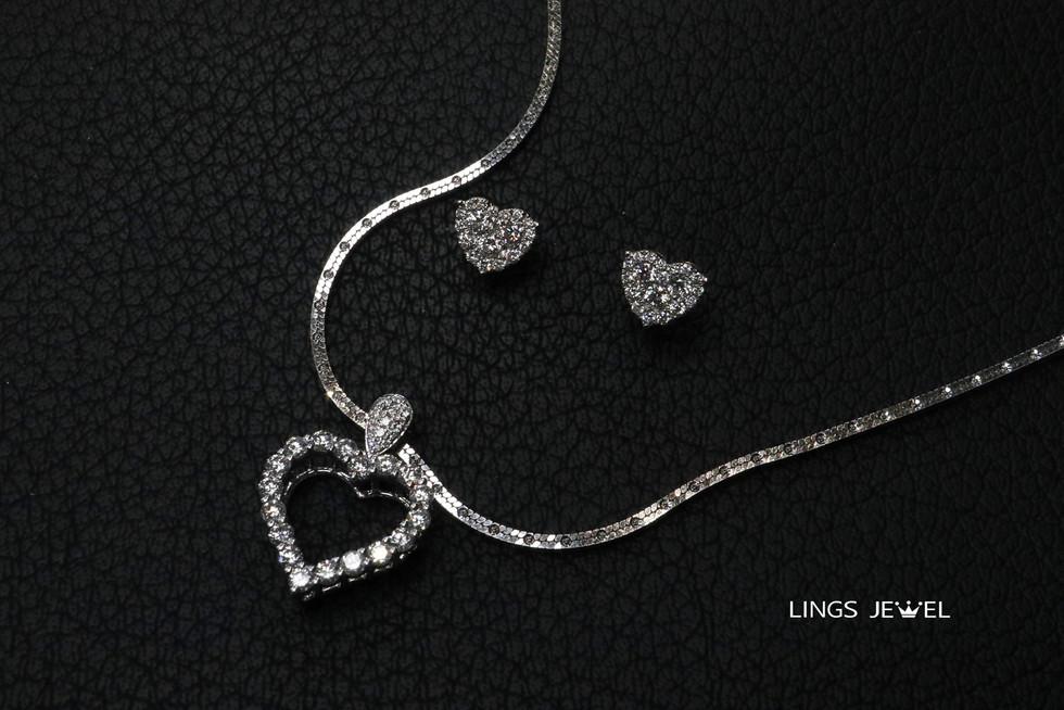 Heart shape necklec and ear ring.jpg