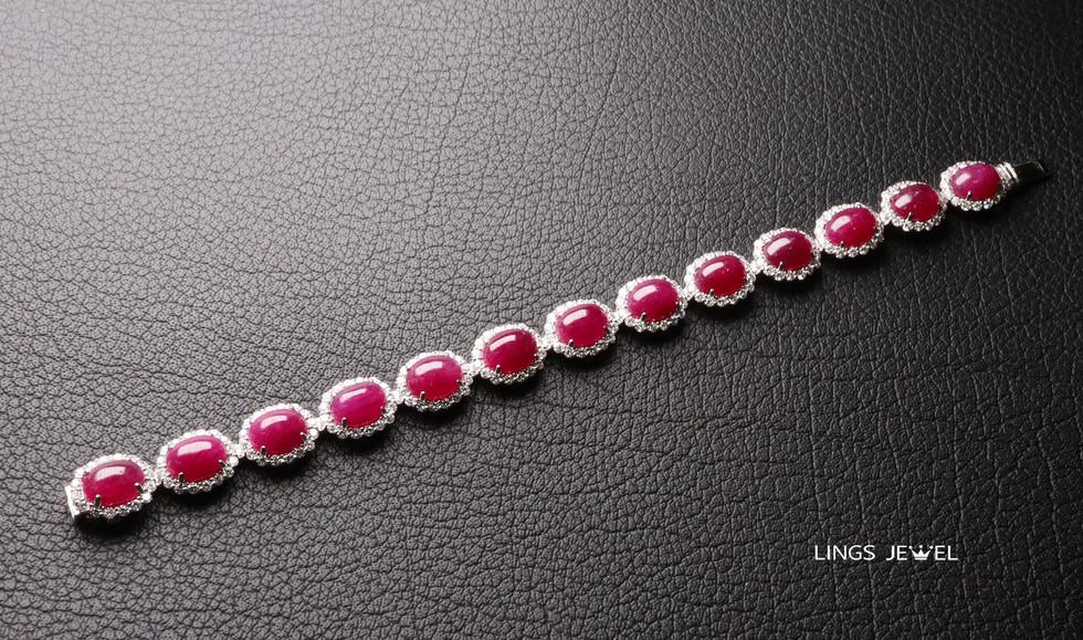 42 carat cap ruby bracelet.jpg
