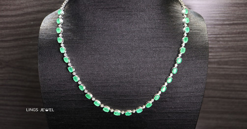 unheated emerald Necklac.jpg