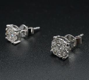 Diamond Ear Ring 18 F VG x1 top 1.jpg