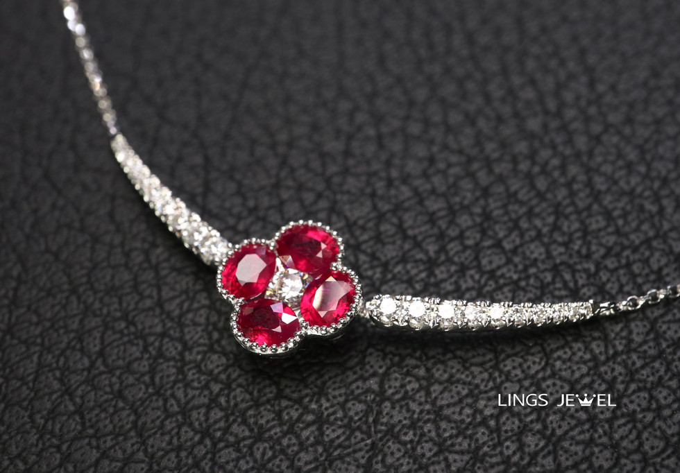 four leaf clover Ruby cross pendent 1220