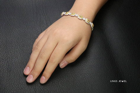 35 ct cushion Yellow Diamond Bracelet 3.jpg