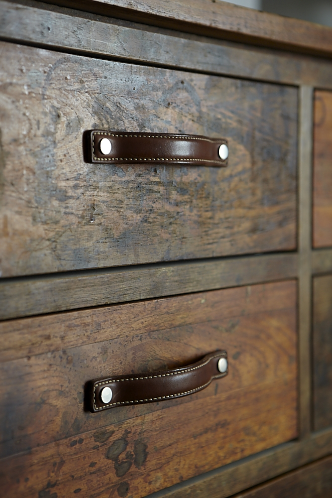 TR_reclaimed_wood_leather_handles