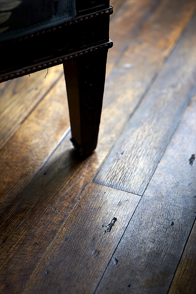 TR_reclaimed_oak_flooring_detail