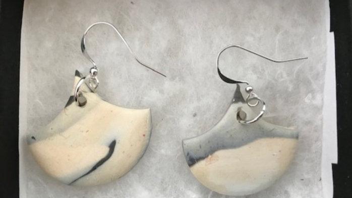 Single pendent stone earrings