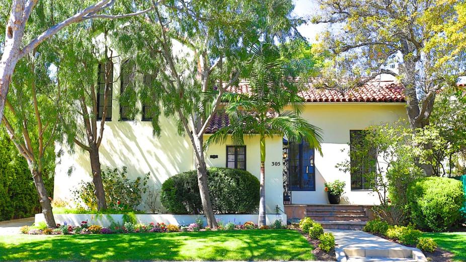 305 S El Camino Dr, Beverly Hills