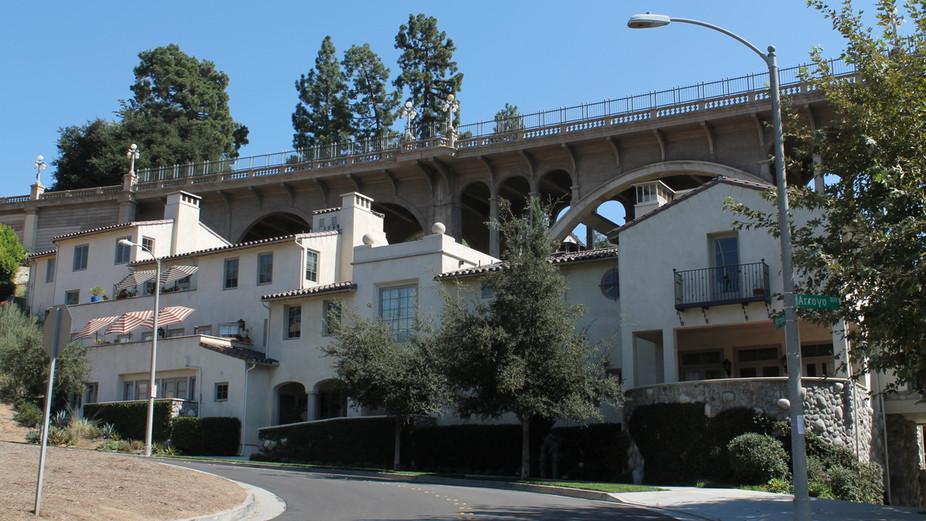 44 Arroyo Dr #104, Pasadena