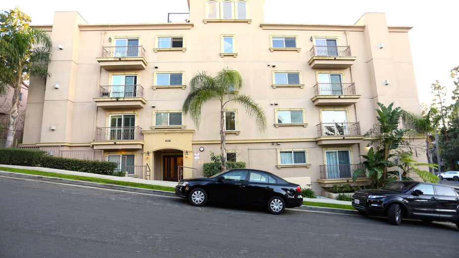 10390 La Grange Ave #401, Los Angeles