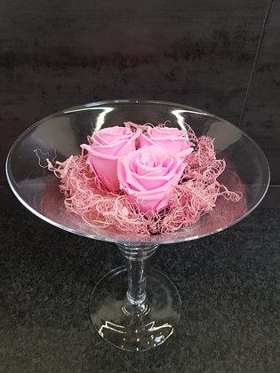 Roses éternelles roses en vase martini