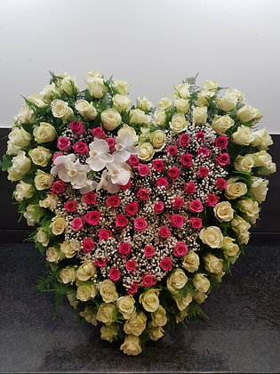Cœur de roses variées