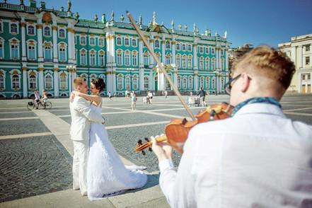 Скрипка на Дворцовой площади