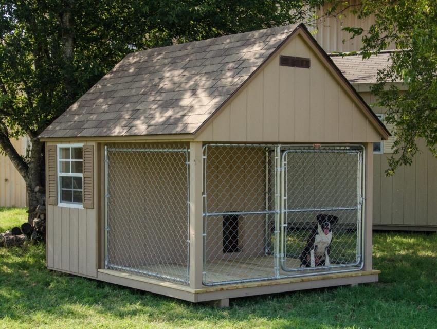 Вольер для собаки в Канадском стиле.