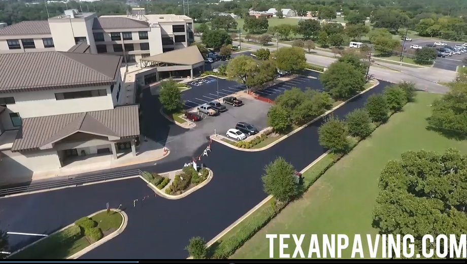 Commercial sealcoating in Austin, TX