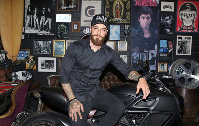 Felipe Titto inaugura estúdio de tatuagem em São Paulo