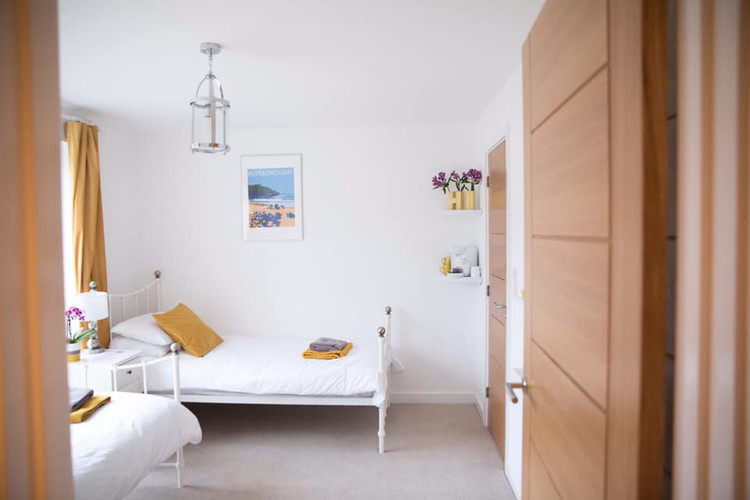 Twin bedrooms at Off Shore