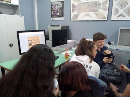 working on the ebook- Liceo Catalano -settimana di scambio 10-14 febbraio 2020. Studenti italiani e belgi a Palermo per il progetto EHON.