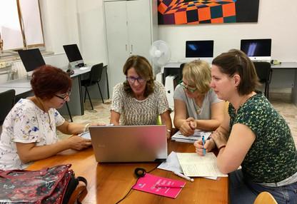 Docenti delle varie nazioni riuniti al liceo Catalano