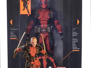 Marvel Classic – 1/4 Scale Action Figure – Ultimate Deadpool