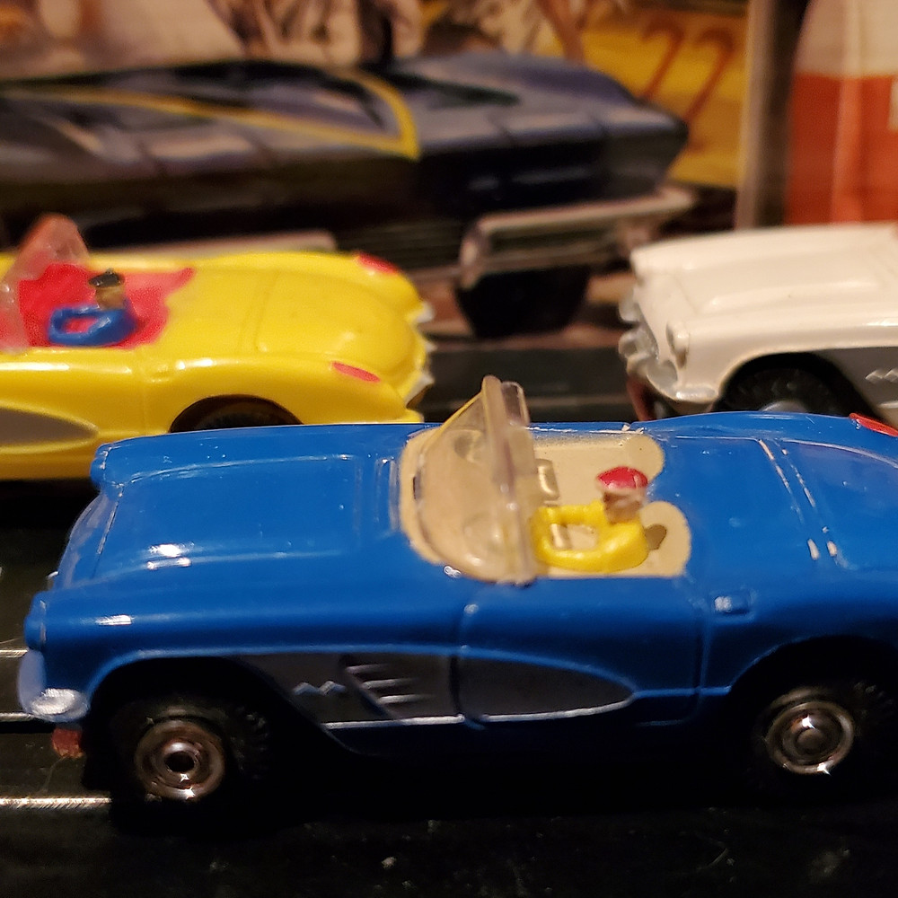 Aurora Model Motoring Corvettes