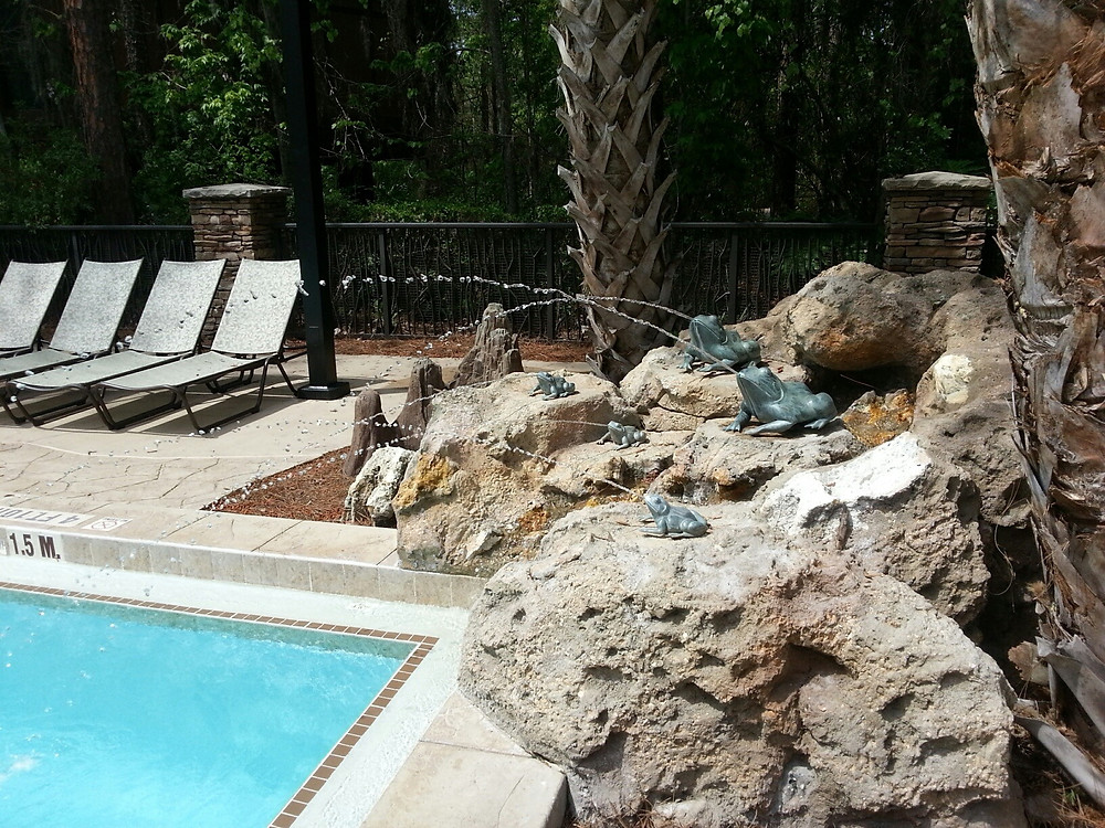 Frog Fountains at Saratoga Springs Treehouse Villas Pool