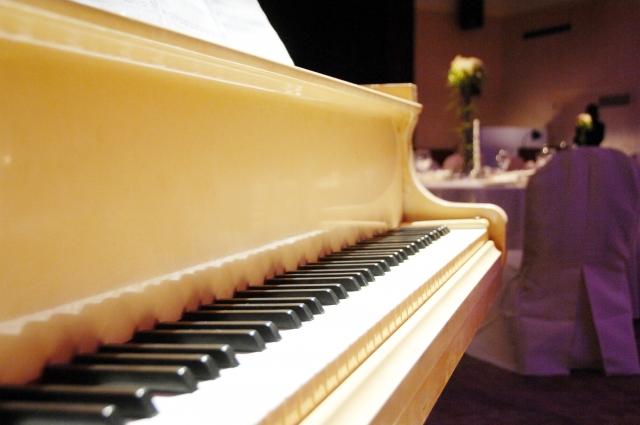 ピアノ、BGM、ホテル、派遣