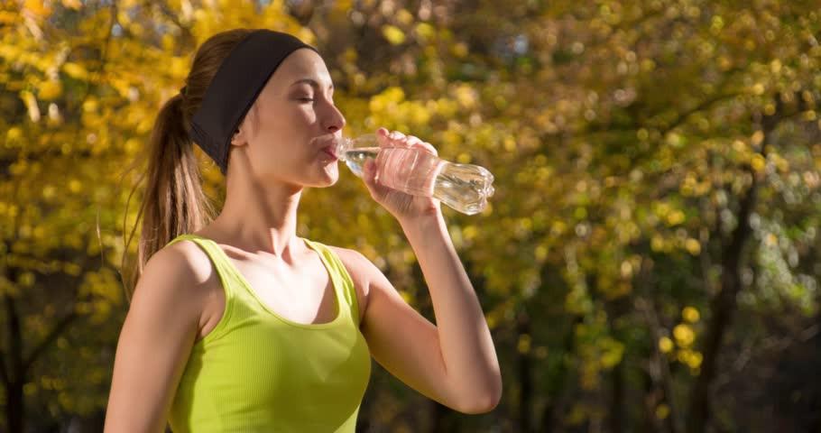 бег пить вода