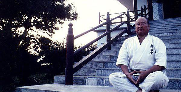 Mass Oyama meditate