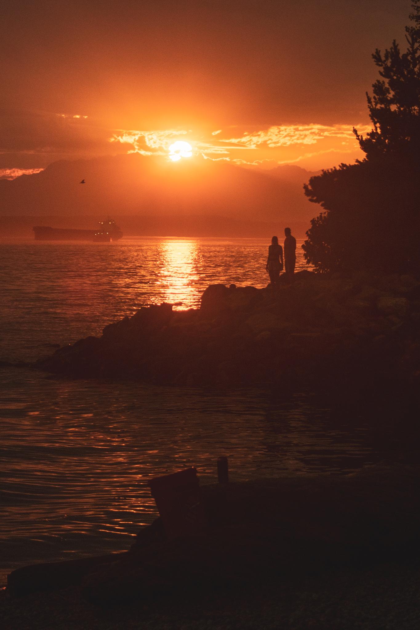 sunset-couple