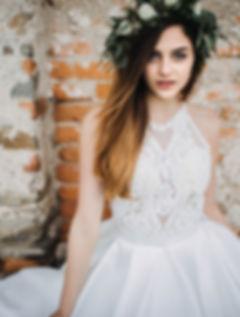 Tara, V bílém, svatební šaty