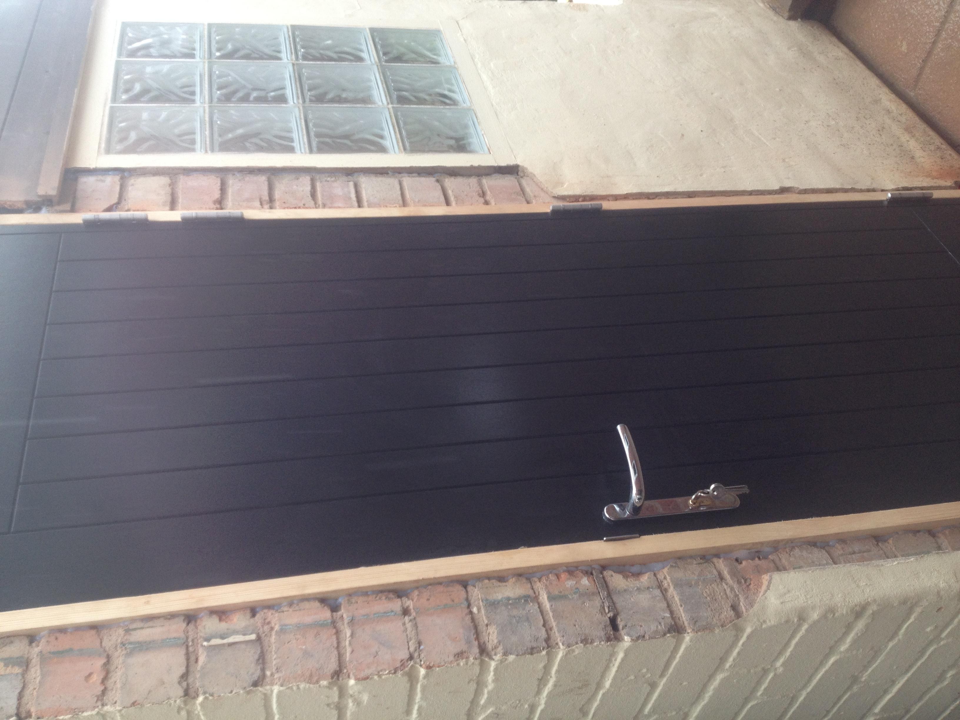 Hardwood door, made/fitted