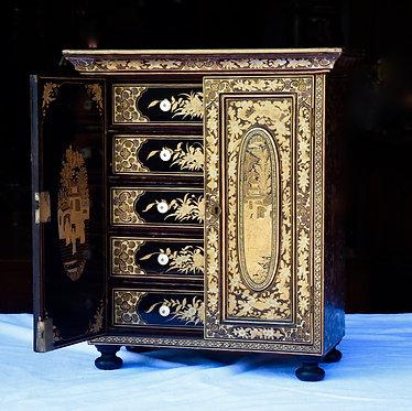 1900's Chinese Laquered Jewelry Box