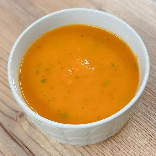 Soupe aux carottes et aux fines herbes