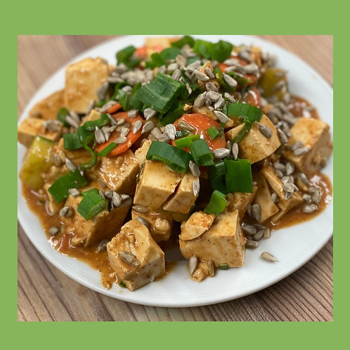 Tofu Salade with Almond-Red Curry Sauce