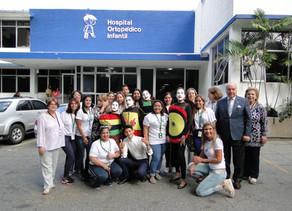 """Visita de Banesco Banco Universal y presentación de la obra """"Gabrielito y sus juguetes venezolanos"""""""