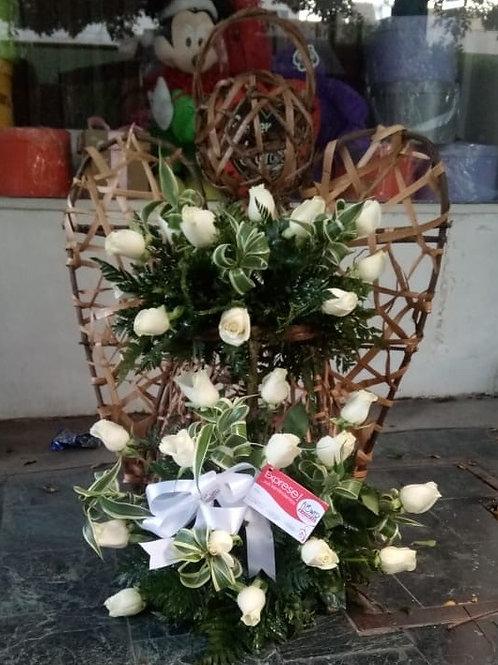 Ángel de 24 Rosas