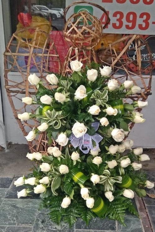 Ángel de 60 Rosas