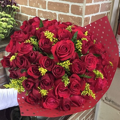 Ramo Bonnet 48 Rosas