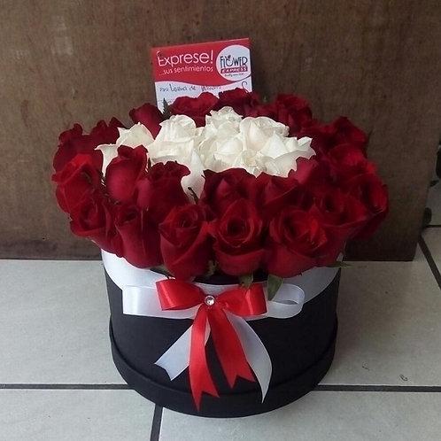 Caja  Black 36 Rosas