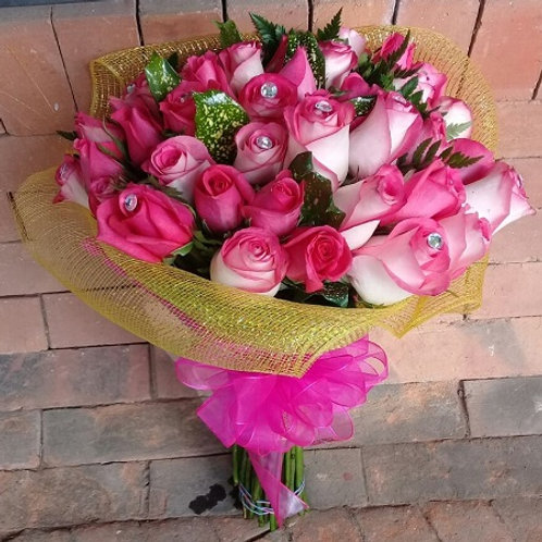 Ramo Bonnet 36 Rosas