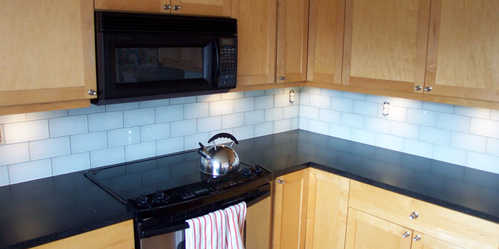 4x8 White Glass Tile
