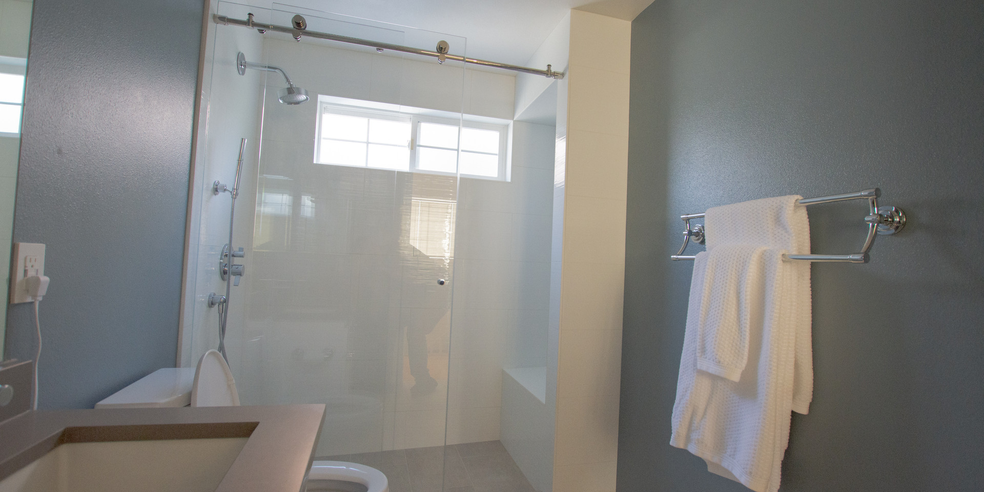 Green Lake 19 Bathroom