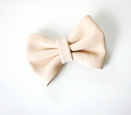 Leather bow clip / Natural