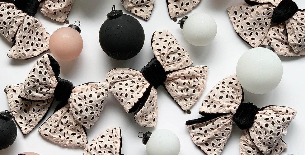 Jessica Ornament set /Eyeletlace