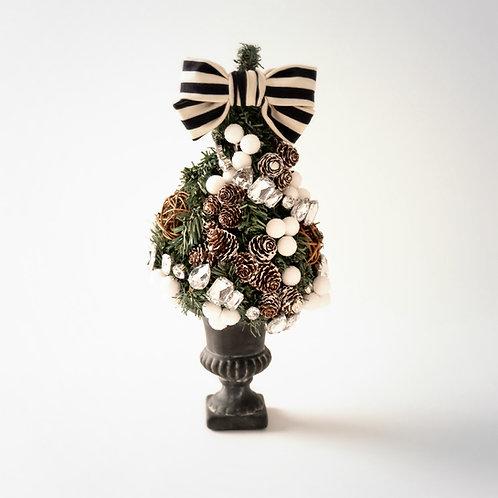 TT Jessica Tree-Teardrop / Pine