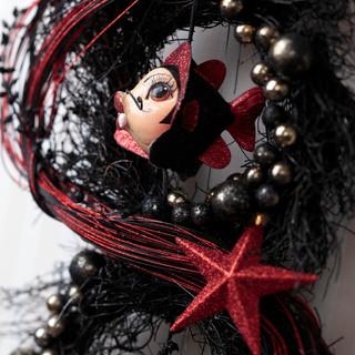2010 3Black wreath