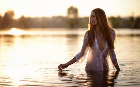 photosseiya-devushka-u-vody-29.jpg