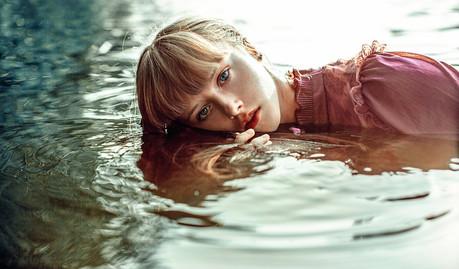 photosseiya-devushka-u-vody-24.jpg