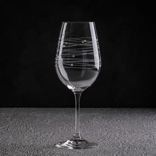 Бокалдля вина - предметная съемка