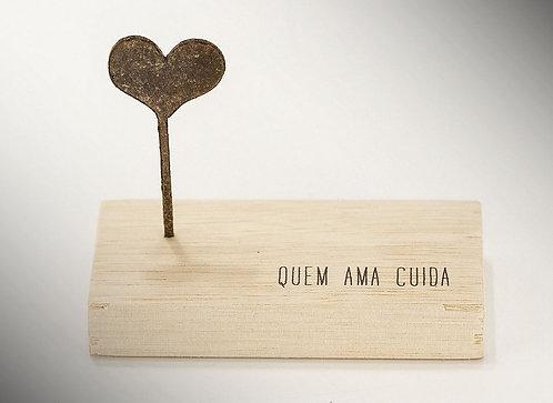 Mini Escultura Quem Ama Cuida